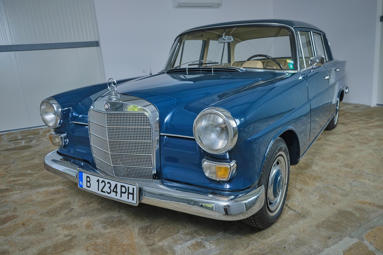 Mercedes-Benz 110 230 S